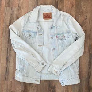 LEVI Light Wash Jean Jacket